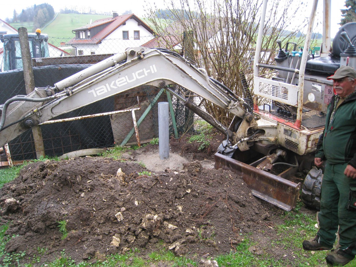 Bernd Keppler erstellt das Fundament